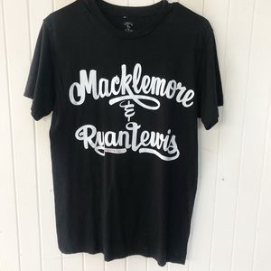 Tops - Shirt Autographed by Macklemore